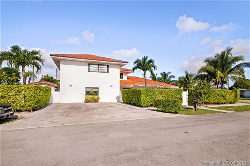 Photo of 10000 SW 45th St, Miami, FL 33165 (MLS # A11028033)