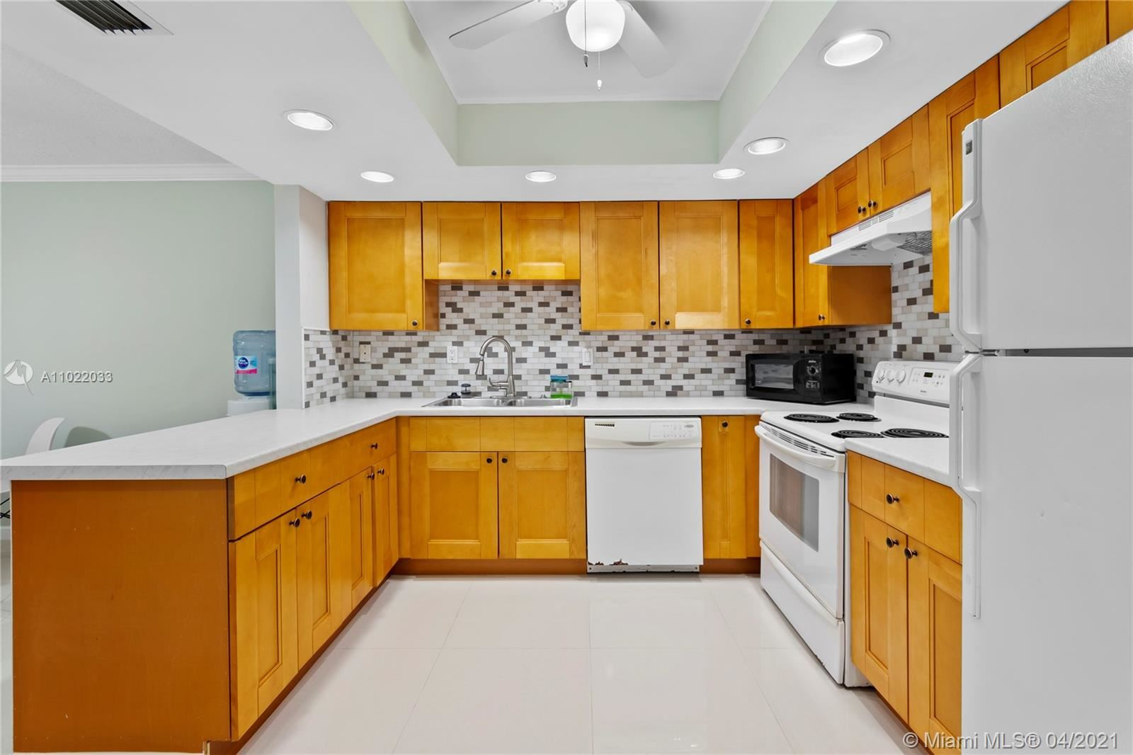 8109 NW 27th St #4, Coral Springs, FL 33065 - #: A11022033