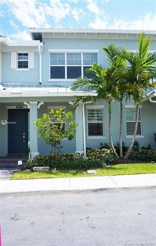 Photo of Listing MLS a10860035 in 4024 Black Olive Ln Hollywood FL 33021