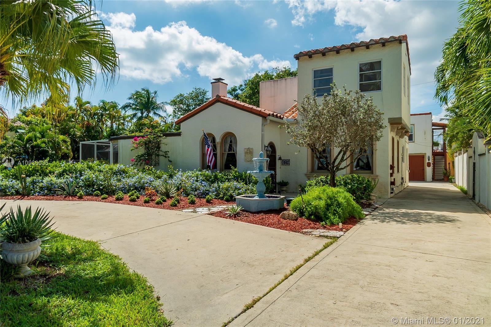 328 E Lakewood Rd, West Palm Beach, FL 33405 - #: A10933035