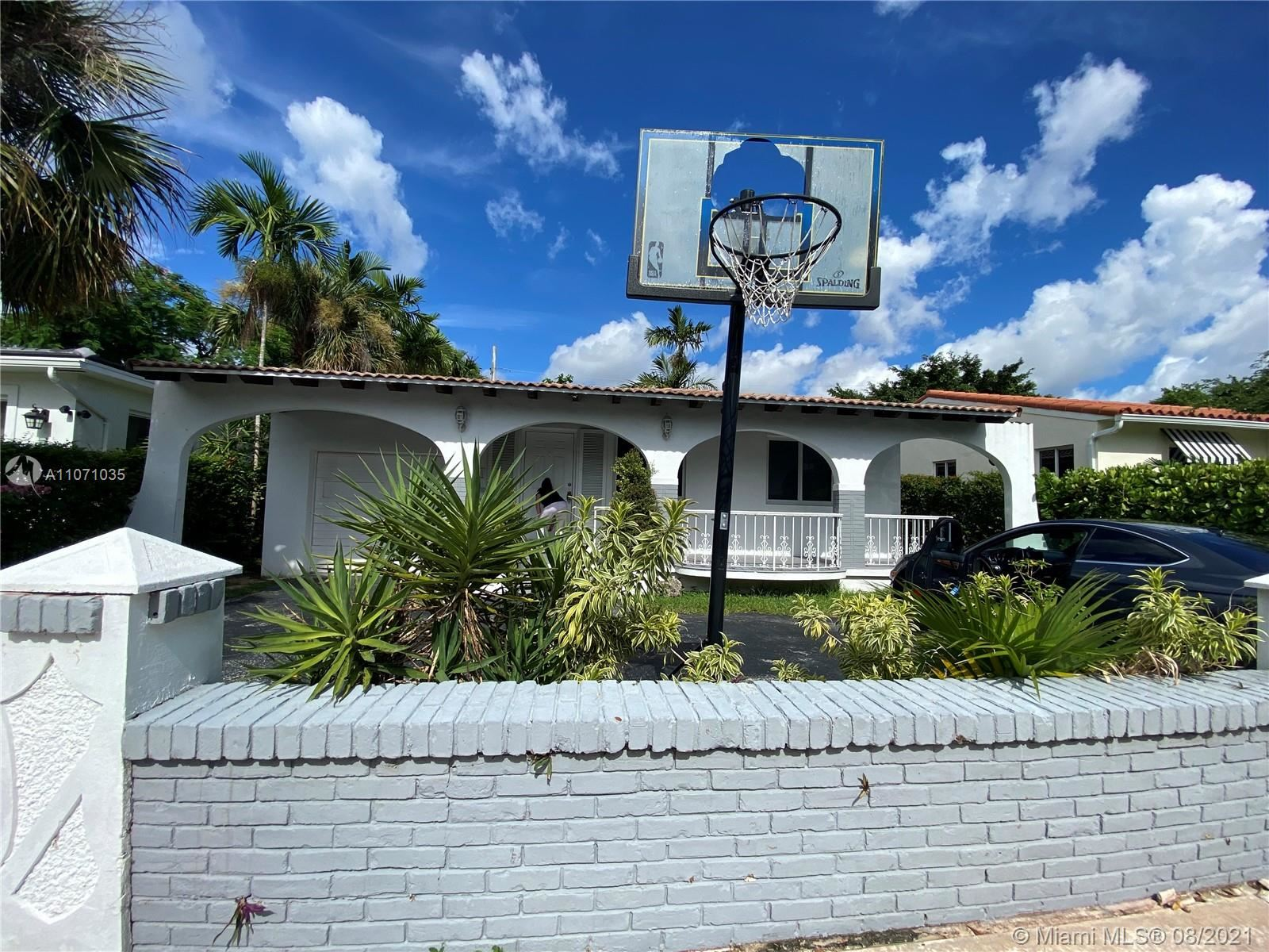 Photo of 817 Tangier St, Coral Gables, FL 33134 (MLS # A11071035)