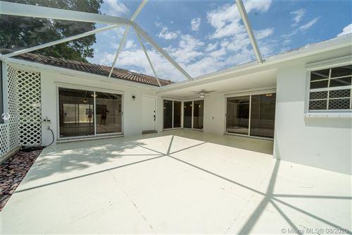 Photo of 4402 Water Oak Ct, Palm Beach Gardens, FL 33410 (MLS # A10904036)