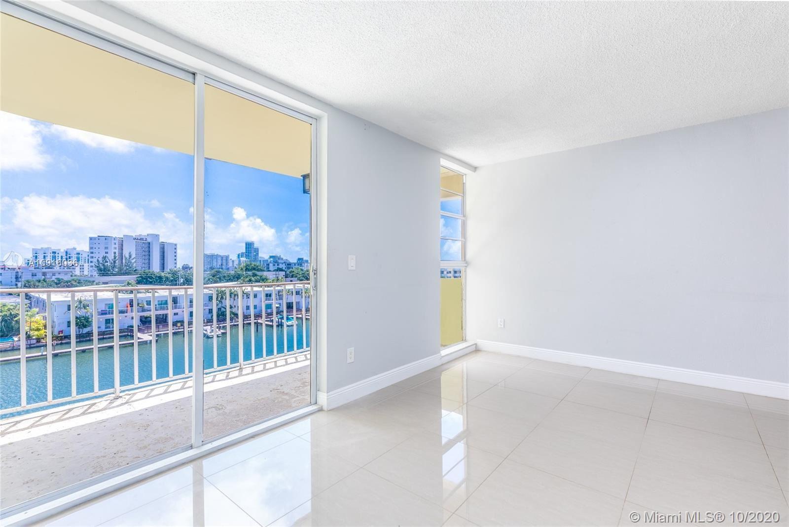 8001 Crespi Blvd #5D, Miami Beach, FL 33141 - #: A10916036
