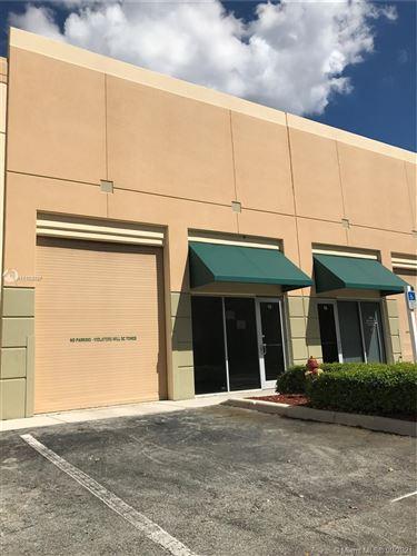 Photo of 2950 Glades Cir #15, Weston, FL 33327 (MLS # A11103037)