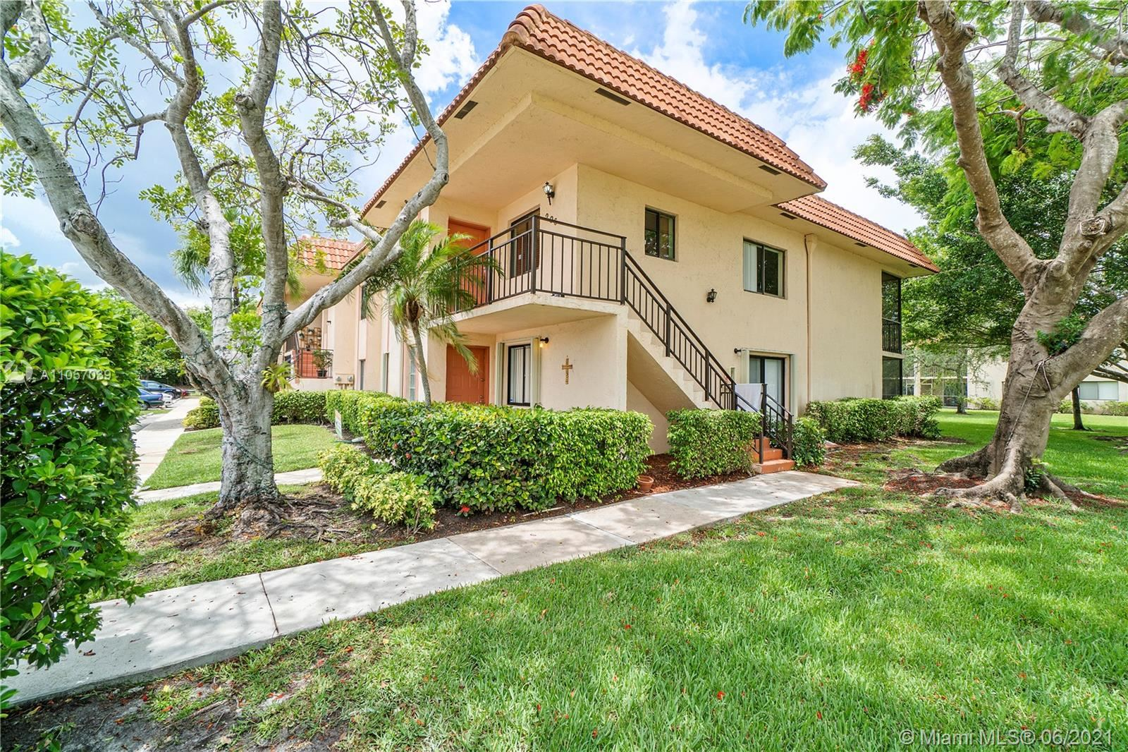369 Lakeview Dr #206, Weston, FL 33326 - #: A11057039