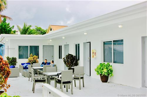 Photo of 605 and 609 S Ocean Dr, Hollywood, FL 33019 (MLS # A10904040)