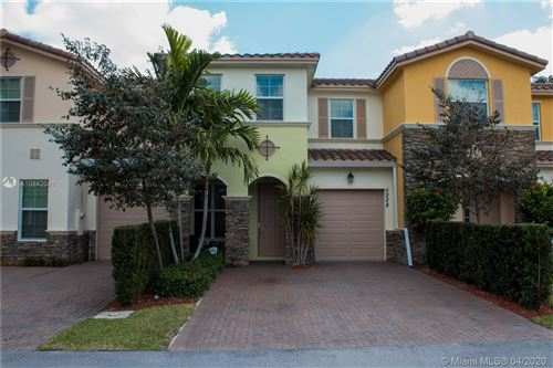 Photo of Listing MLS a10842041 in 5228 SW 77th Way Davie FL 33328