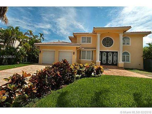 Foto de inmueble con direccion 655 GOLDEN BEACH DR Golden Beach FL 33160 con MLS A10426043