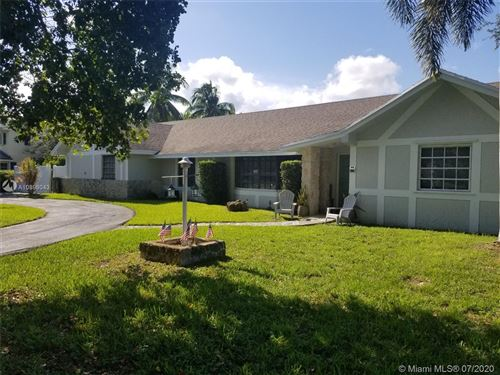 Photo of Listing MLS a10896043 in 7521 SW 176th St Palmetto Bay FL 33157