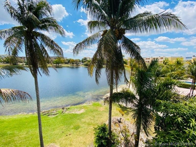 9357 Fontainebleau Blvd #D415, Miami, FL 33172 - #: A10891043