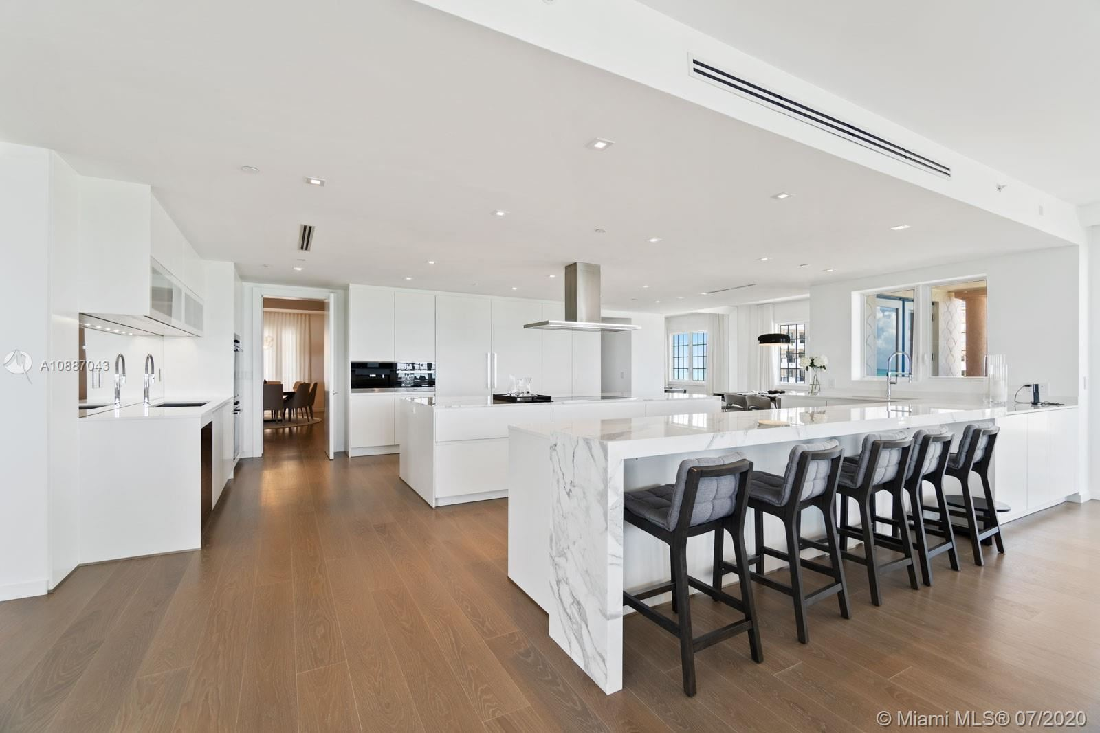 Photo 3 of Listing MLS a10887043 in 7764 Fisher Island Dr #7764 Miami Beach FL 33109