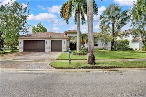 Photo of 1433 Victoria Isle Dr, Weston, FL 33327 (MLS # A10754046)