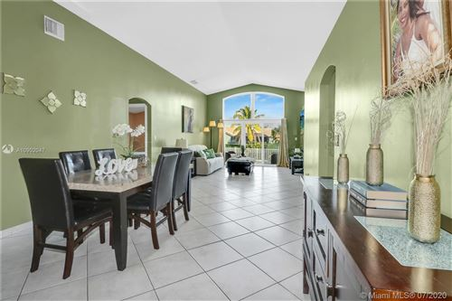 Photo of Listing MLS a10902047 in 905 NW 165th Ave Pembroke Pines FL 33028
