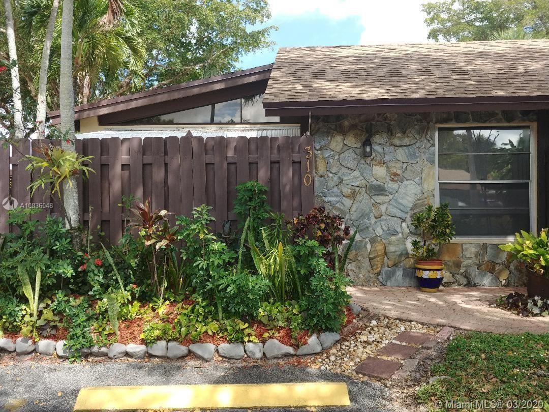 310 Briarwood Cir #1-15, Hollywood, FL 33024 - #: A10836048