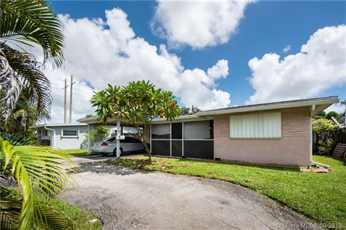 Photo of 2331 N 68th Ave, Hollywood, FL 33024 (MLS # A10741051)
