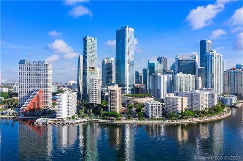 Foto de inmueble con direccion 1450 Brickell Bay Dr #PH-2 Miami FL 33131 con MLS A10896051