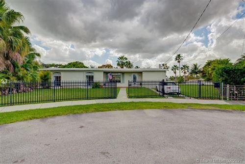 Photo of 10798 SW 44th St, Miami, FL 33165 (MLS # A11004051)