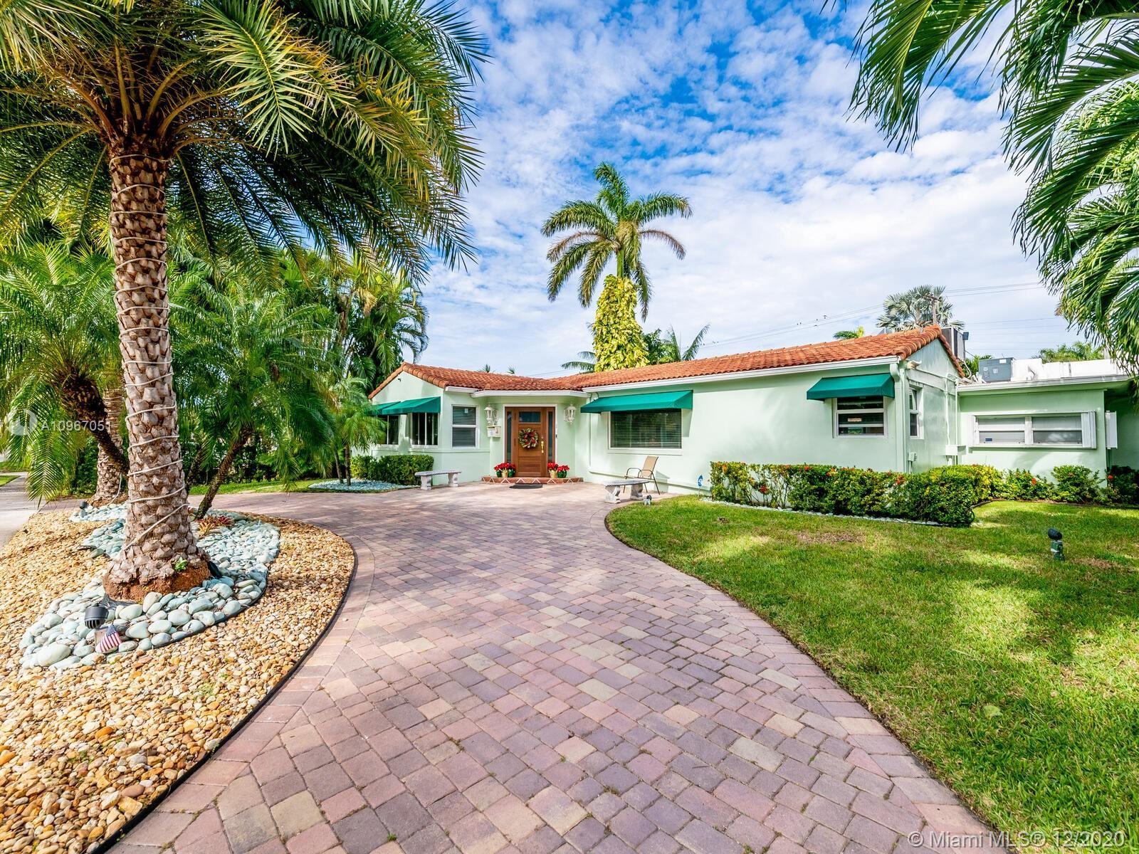 935 Van Buren St, Hollywood, FL 33019 - #: A10967051