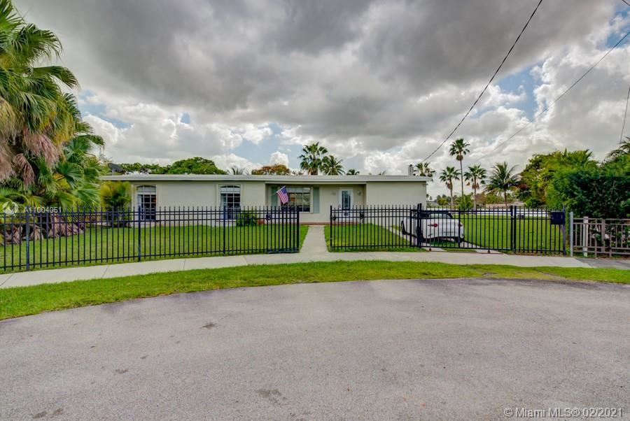 10798 SW 44th St, Miami, FL 33165 - #: A11004051