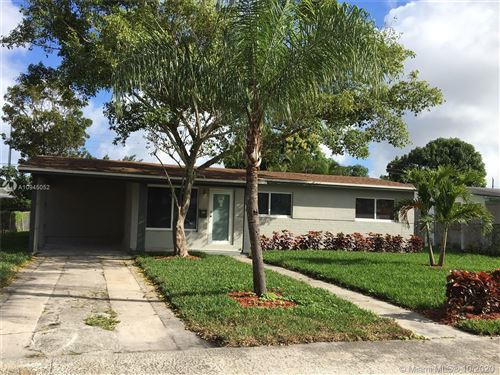 Photo of 608 SW 22nd Ter, Fort Lauderdale, FL 33312 (MLS # A10945052)