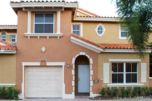 Photo of 8400 NW 140th St #3302, Miami Lakes, FL 33016 (MLS # A10956052)