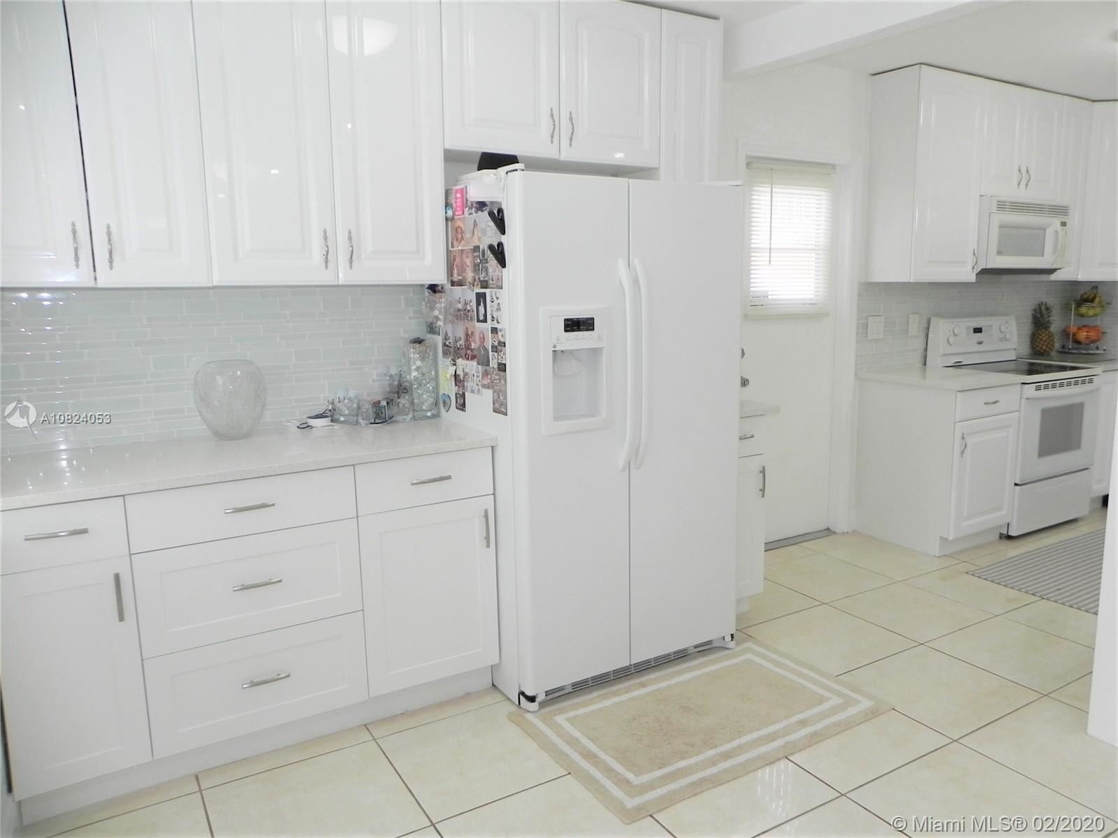 Photo 5 of Listing MLS a10824053 in 1531 Johnson St Hollywood FL 33020