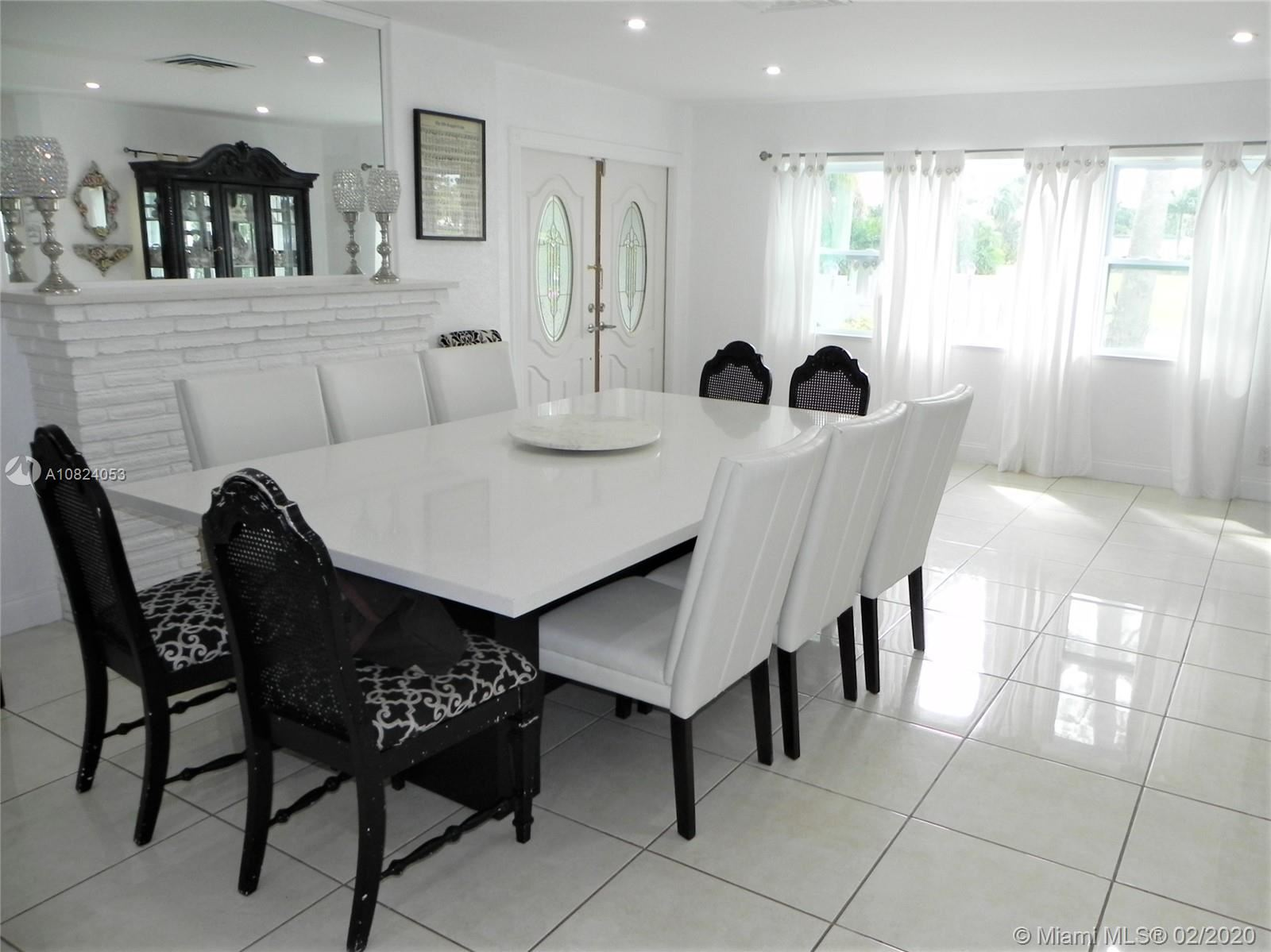 Photo 7 of Listing MLS a10824053 in 1531 Johnson St Hollywood FL 33020