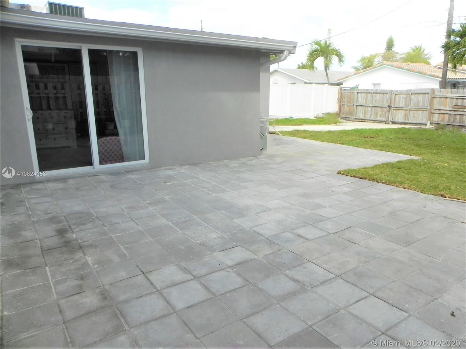 Photo 19 of Listing MLS a10824053 in 1531 Johnson St Hollywood FL 33020