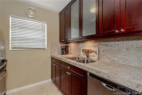 Photo of Listing MLS a10771054 in 624 Orton Ave #4 Fort Lauderdale FL 33304