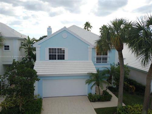 Photo of 29 Selby Lane, Palm Beach Gardens, FL 33418 (MLS # R10310054)