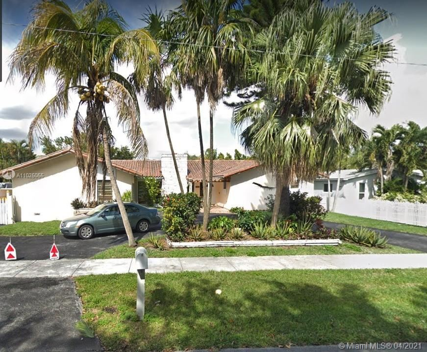 Photo of 6525 SW 49th St, South Miami, FL 33155 (MLS # A11025055)