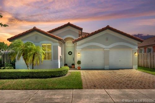 Foto de inmueble con direccion 15300 SW 91st Ln Miami FL 33196 con MLS A10851056