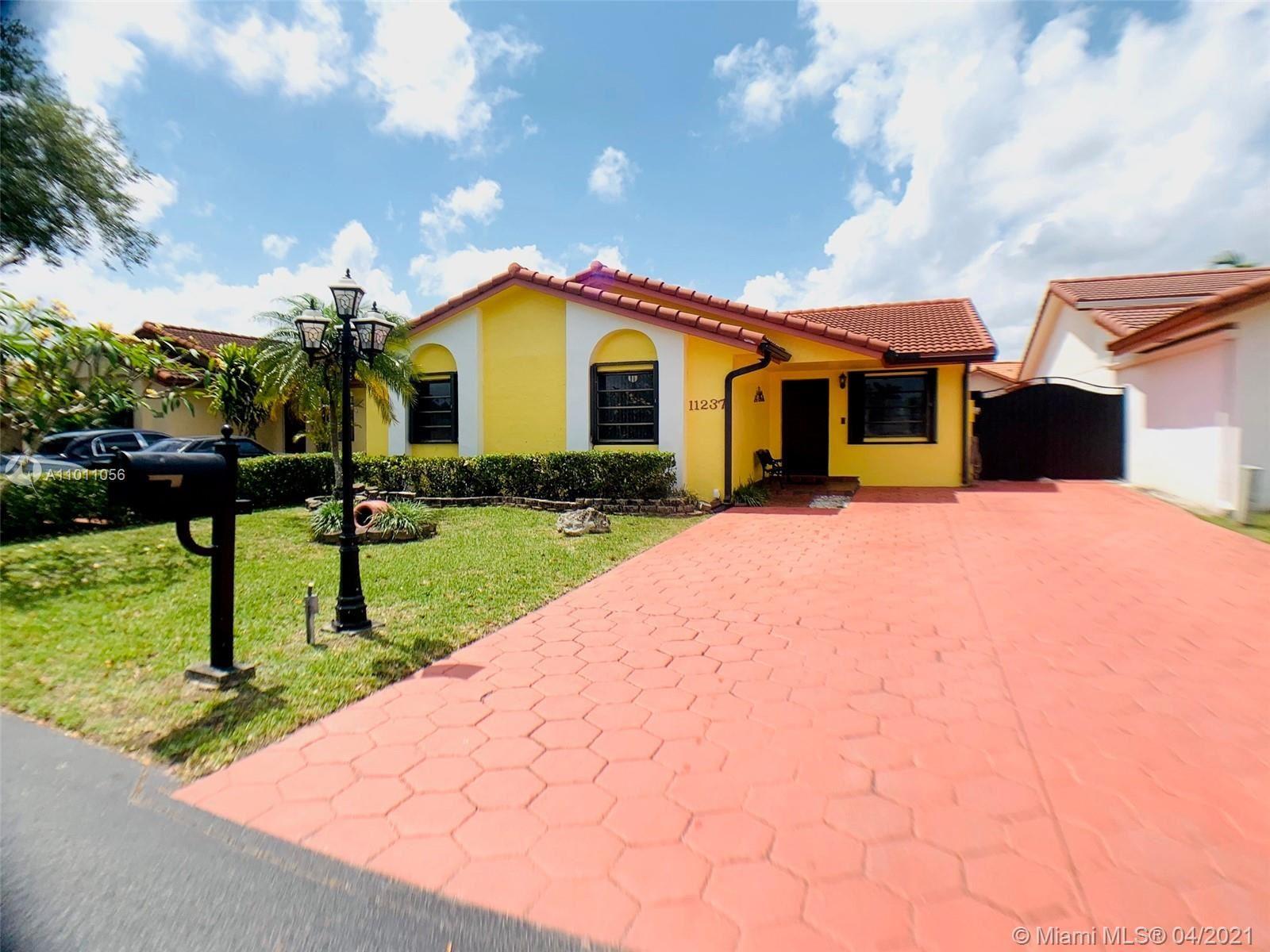 11237 SW 74th Ter, Miami, FL 33173 - #: A11011056