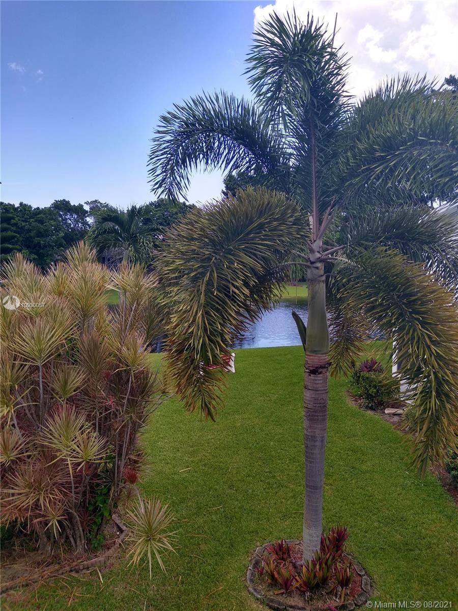 Photo of 35 Tilford B #35, Deerfield Beach, FL 33442 (MLS # A10930057)