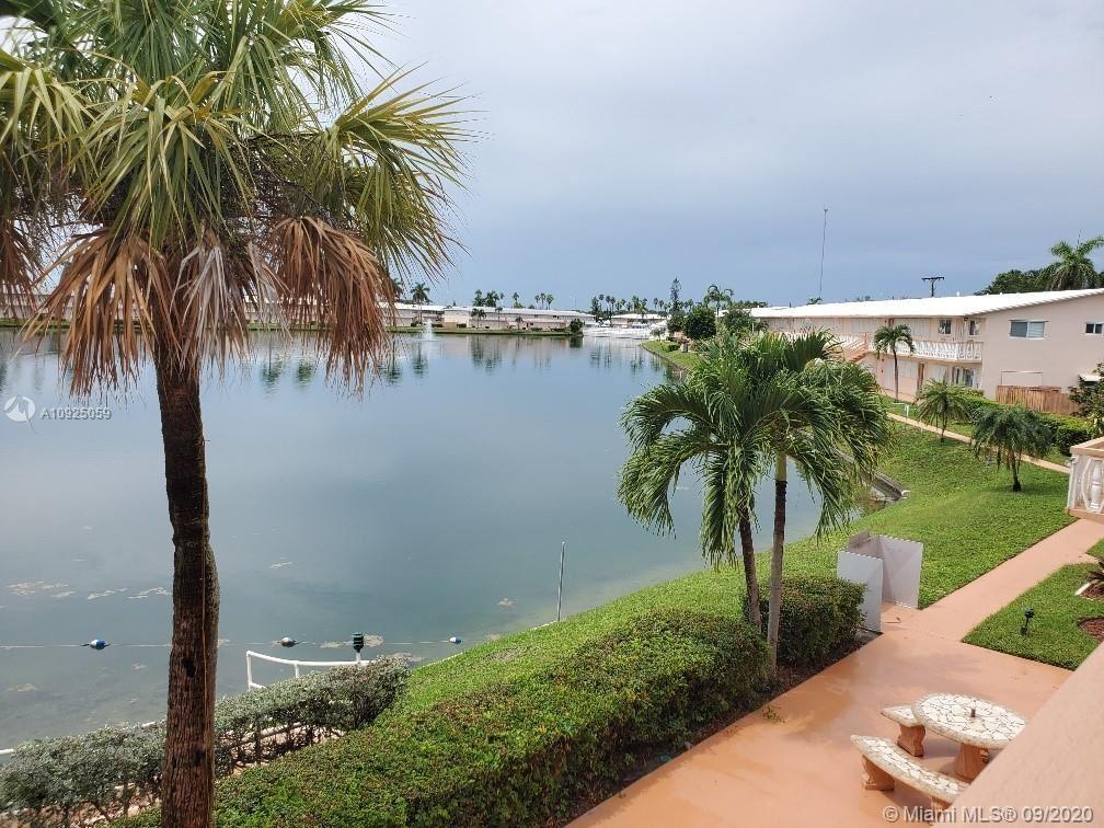 Photo of 1000 SW 10th Ter #19P, Hallandale Beach, FL 33009 (MLS # A10925059)