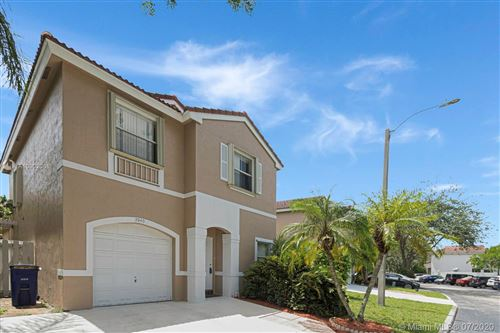 Photo of Listing MLS a10902061 in 3940 Tree Tops Rd Cooper City FL 33026