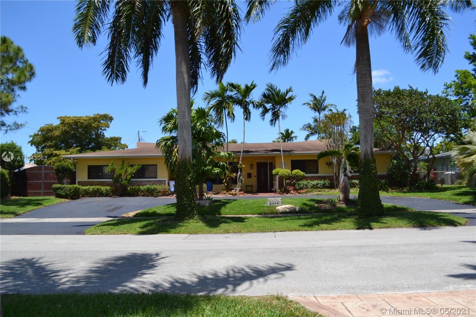 5029 Polk St, Hollywood, FL 33021 - #: A11043063