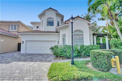 Photo of Listing MLS a10860064 in 3936 194th Trl Sunny Isles Beach FL 33160
