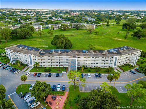 Photo of 3035 Ventnor H #H, Deerfield Beach, FL 33442 (MLS # A10936064)