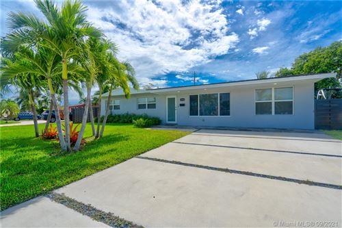 Photo of 10542 SW 50th St, Miami, FL 33165 (MLS # A11099064)