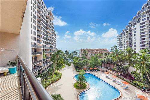 Photo of 540 SE Brickell Key Dr #603, Miami, FL 33131 (MLS # A11107064)
