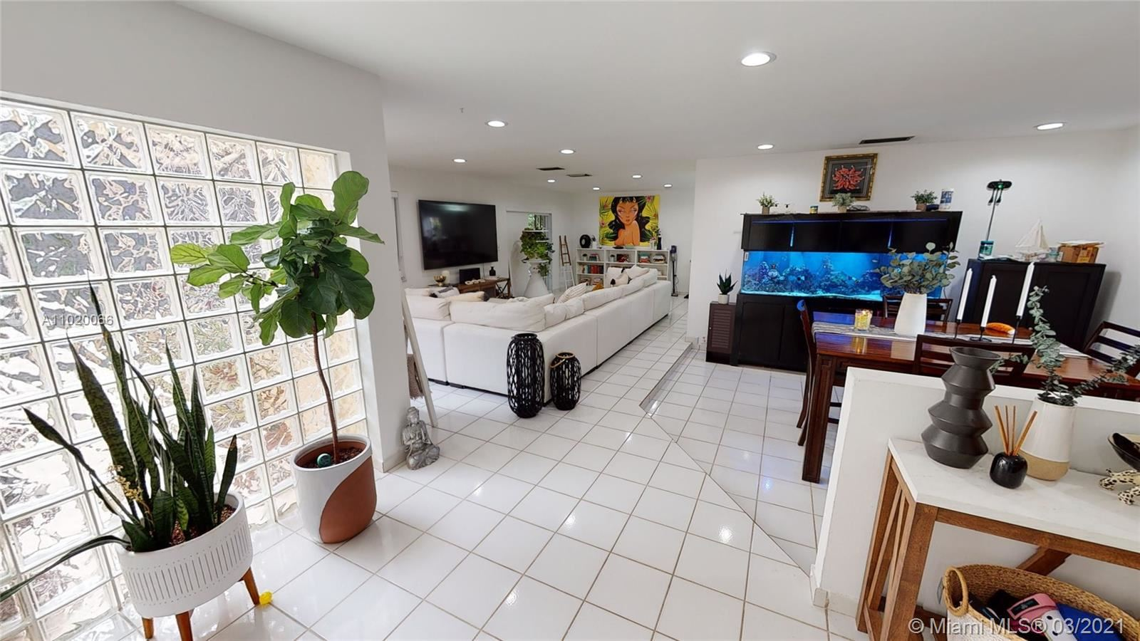 11520 SW 32nd St, Miami, FL 33165 - #: A11020066