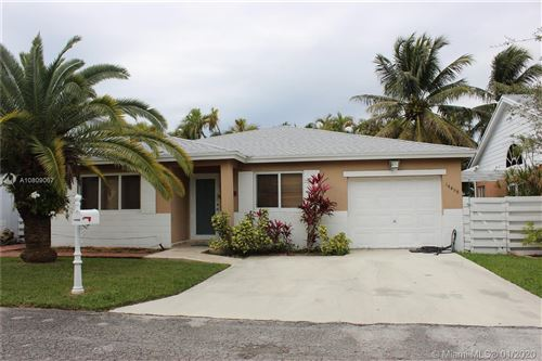 Photo of Listing MLS a10809067 in 14458 SW 139 Circle West Miami FL 33186