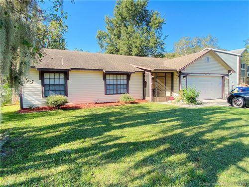 Photo of 1700 Prairie Lake, Orlando, FL 34761 (MLS # A10953067)