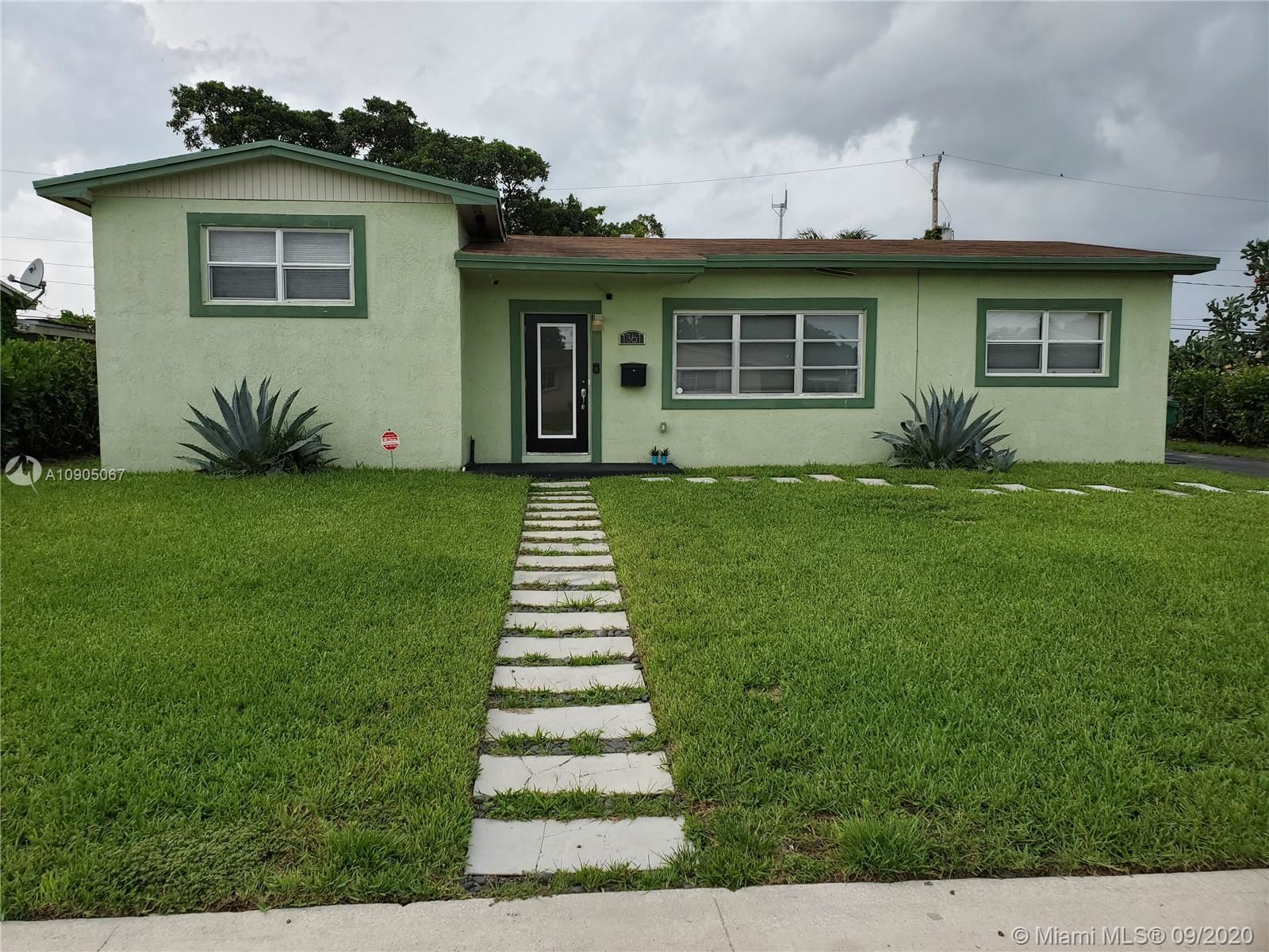 1361 NW 198th St, Miami Gardens, FL 33169 - #: A10905067