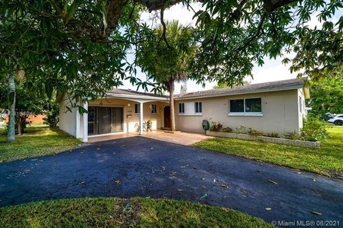 Photo of 1700 N 32nd Ct, Hollywood, FL 33021 (MLS # A11058068)