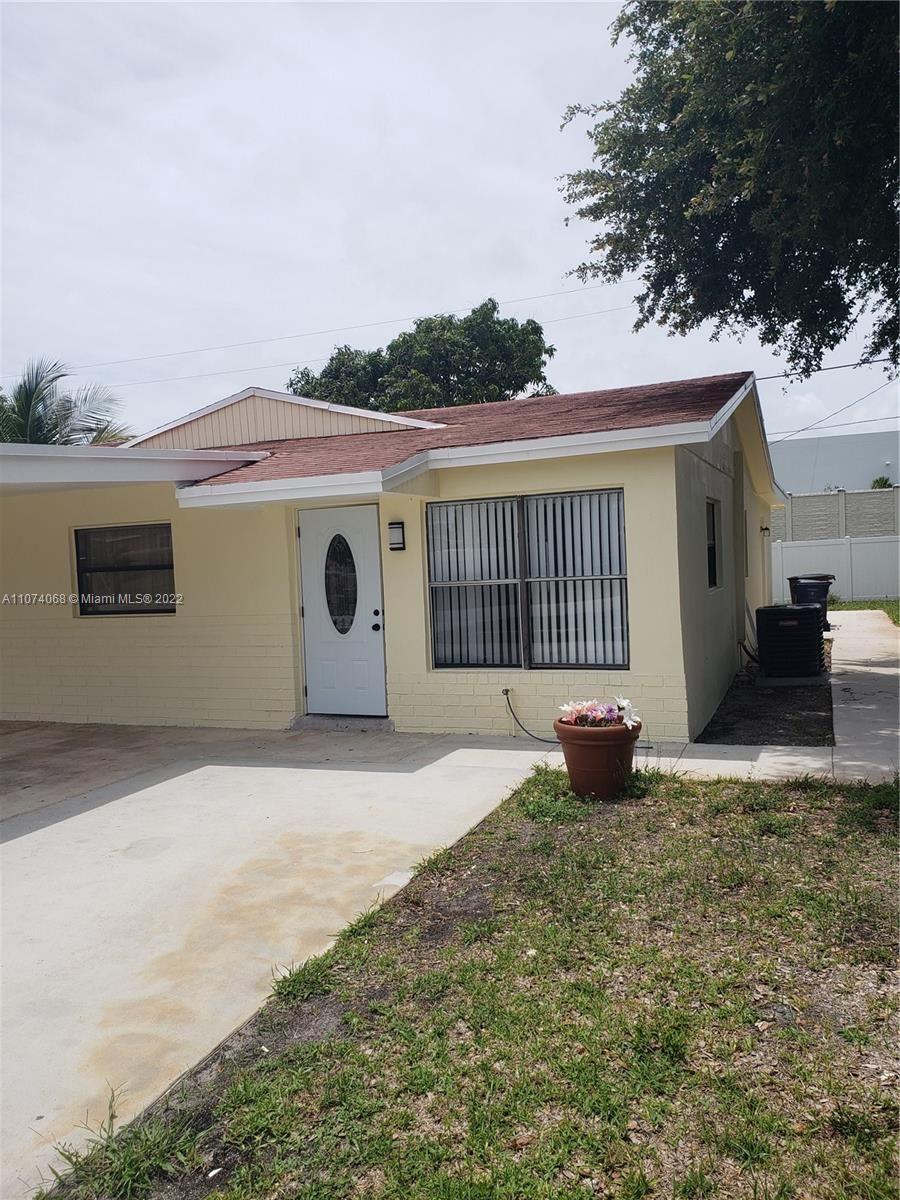 Photo of 491 NW 3rd Way, Deerfield Beach, FL 33441 (MLS # A11074068)