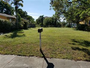 Photo of Listing MLS a10590070 in 256 Carlisle Dr Miami Springs FL 33166