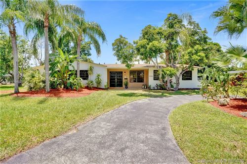 Photo of Listing MLS a10896071 in 15300 SW 87th Ct Palmetto Bay FL 33157