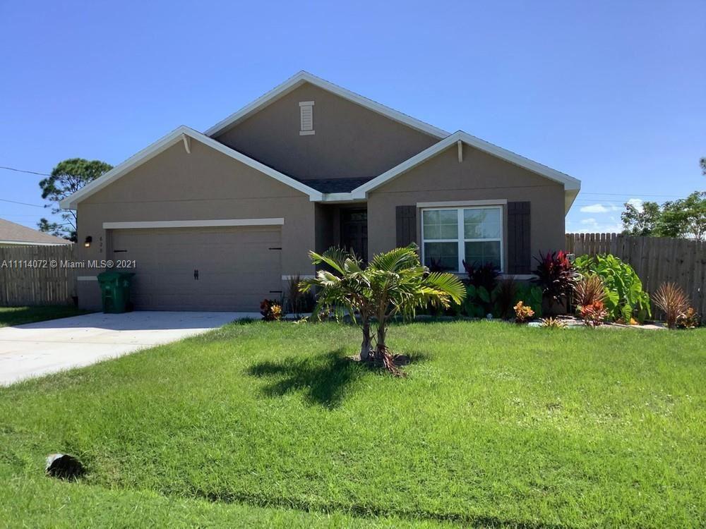 628 SW Eyerly Avenue, Port Saint Lucie, FL 34983 - #: A11114072